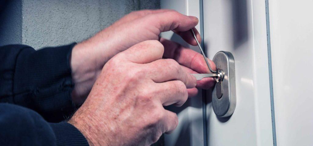 Einbruchschutz für Türen in Stuttgart